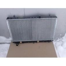 Радиатор охлаждения двигателя   А/Т  Лачетти 96553378