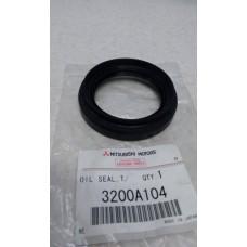 Сальник привода правый  3200A104